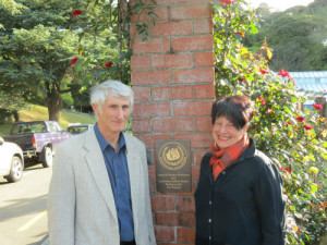 World Federation of Rose Societies Vice President (Australasia) Mr Doug Grant with Wellington City Councillor Helene Ritchie at the unveiling of the WFRS Garden of Excellence plaque November 2015